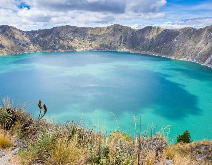 ecuador-travel-lago