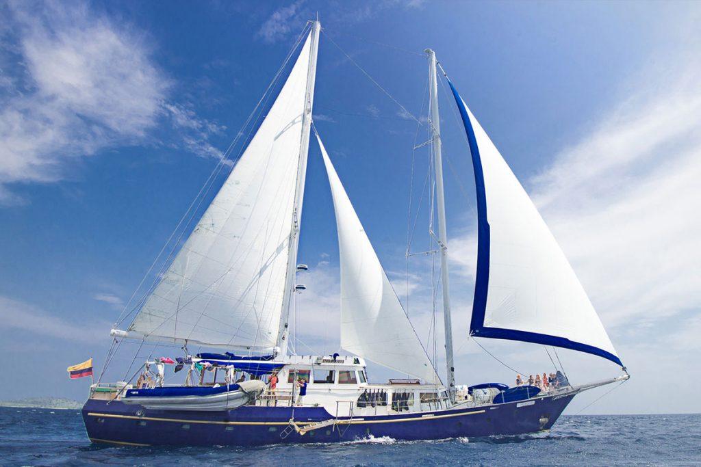 galapagos-cruises-BEAGLE