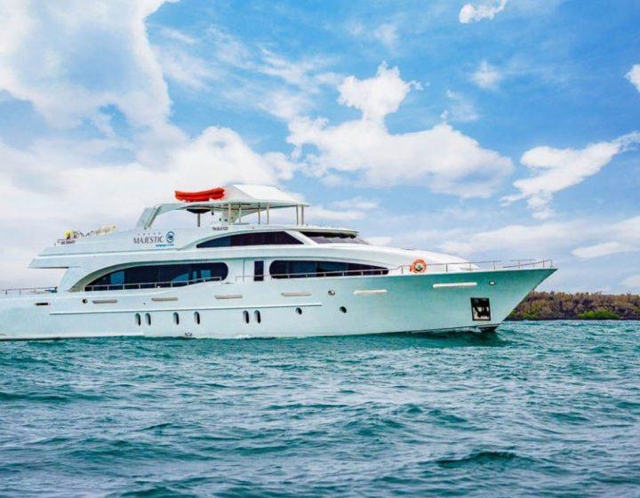 galapagos-cruises-majestic
