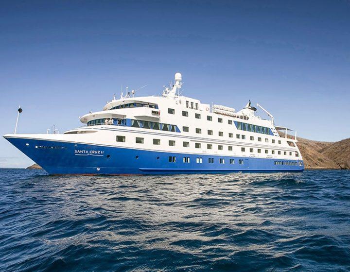 galapagos-cruises-santa