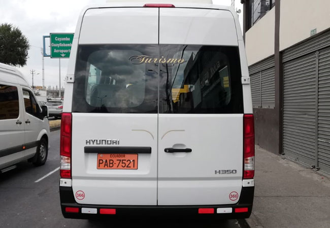 tourism transport services quito ecuador